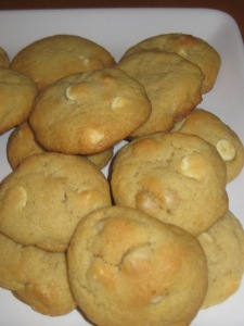 white chocolate macadamia cookies 019